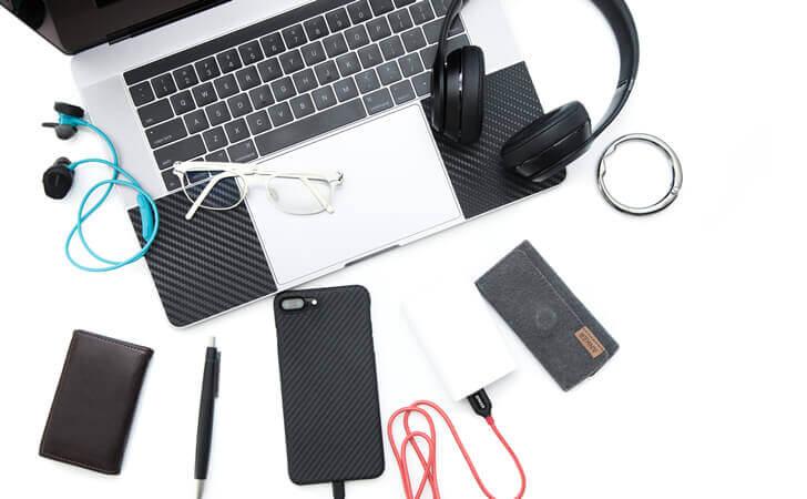 バッグに入れるノートPCと周辺機器