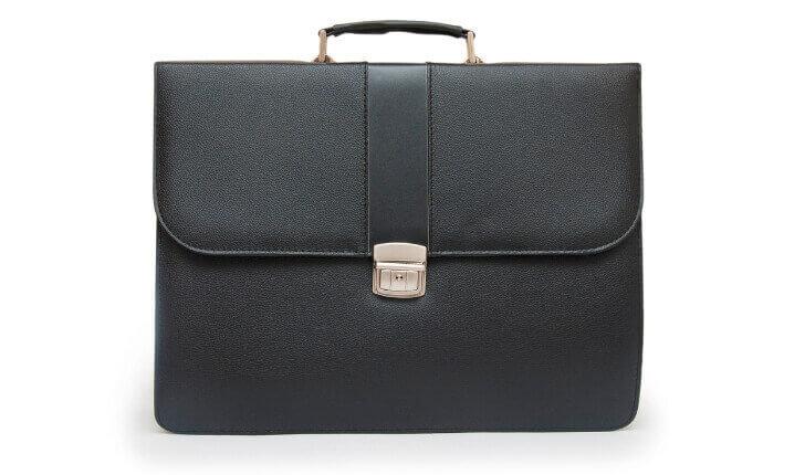 ビジネスバッグの基本スタイルは手提げバッグ